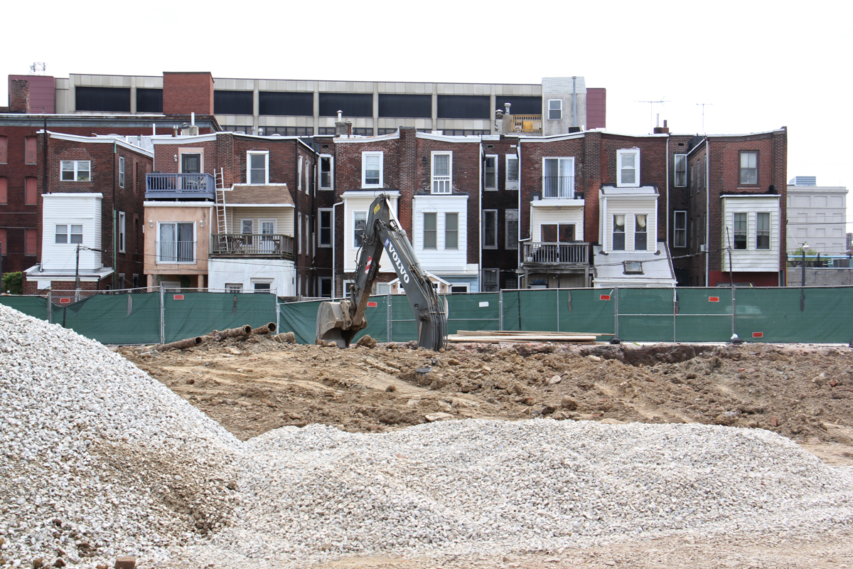 Work begins on a residential development on Fairmount Avenue in Northern Liberties. | Emma Lee/WHYY