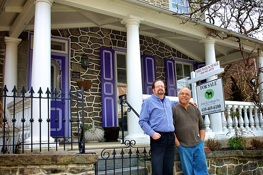 Bob Kershaw (l) & Robert Barton (r) in front of their historic house on Shurs lane in Manayunk (Bas Slabbers/for NewsWorks)