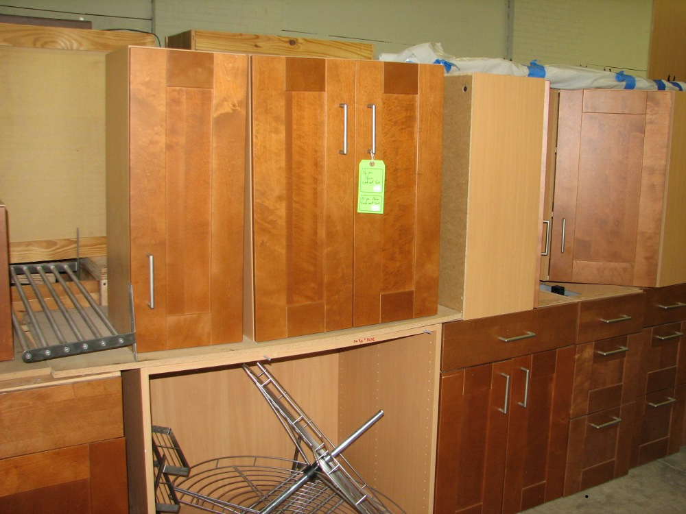 One of many available kitchen cabinet sets