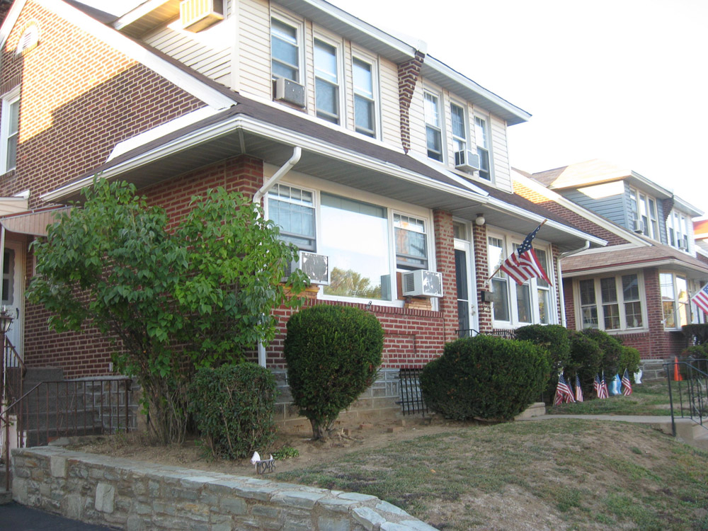 An example of a duplex in Fox Chase. It is unclear whether both units are owner-occupied, or if one has renters.