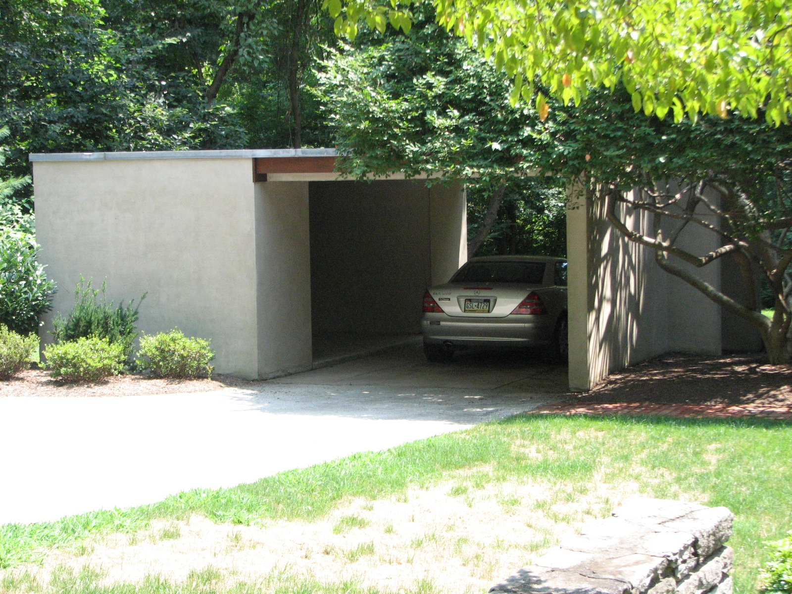 Even the carport has a Zen tranquility.