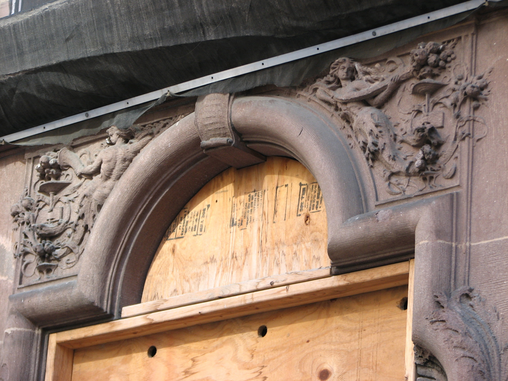 Wilson Eyre added rich ornament to the brownstone at 1618 Locust.