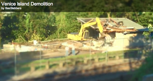 Video: Venice Island Rec Center building gets torn down