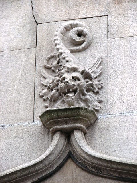 Natural and mythical beasts also appear on the walls of Green Street.