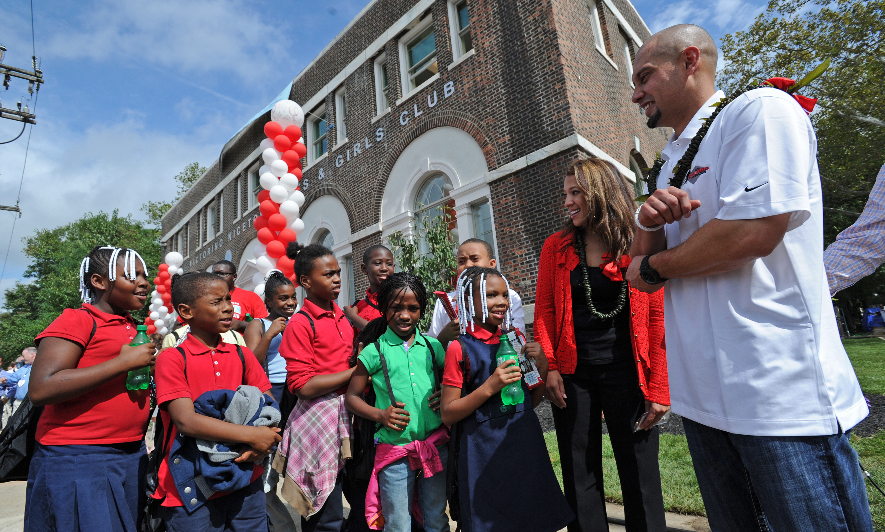 Nicetown kids with Melissa and Shane Victorino | Shane Victorino Foundation