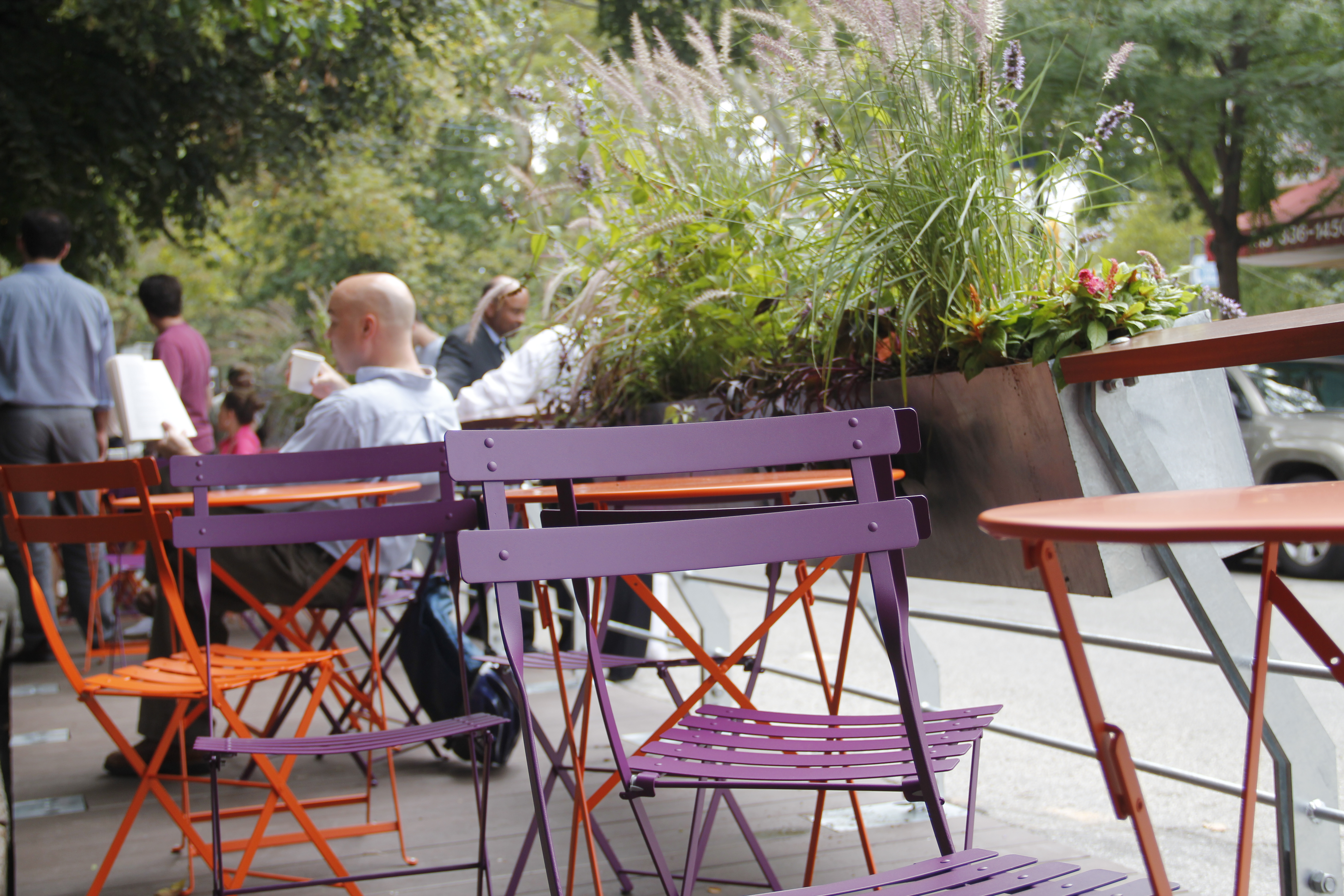 A parklet outside of the Green Line Cafe.