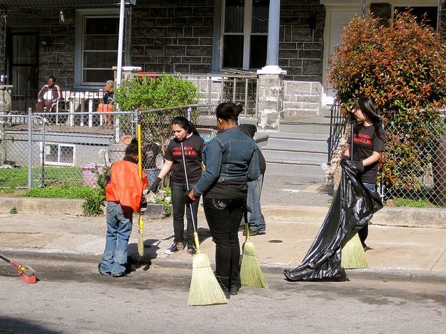 West Rockland Street residents sweep up on cleanup day 2010 | via rocklandstreet.com