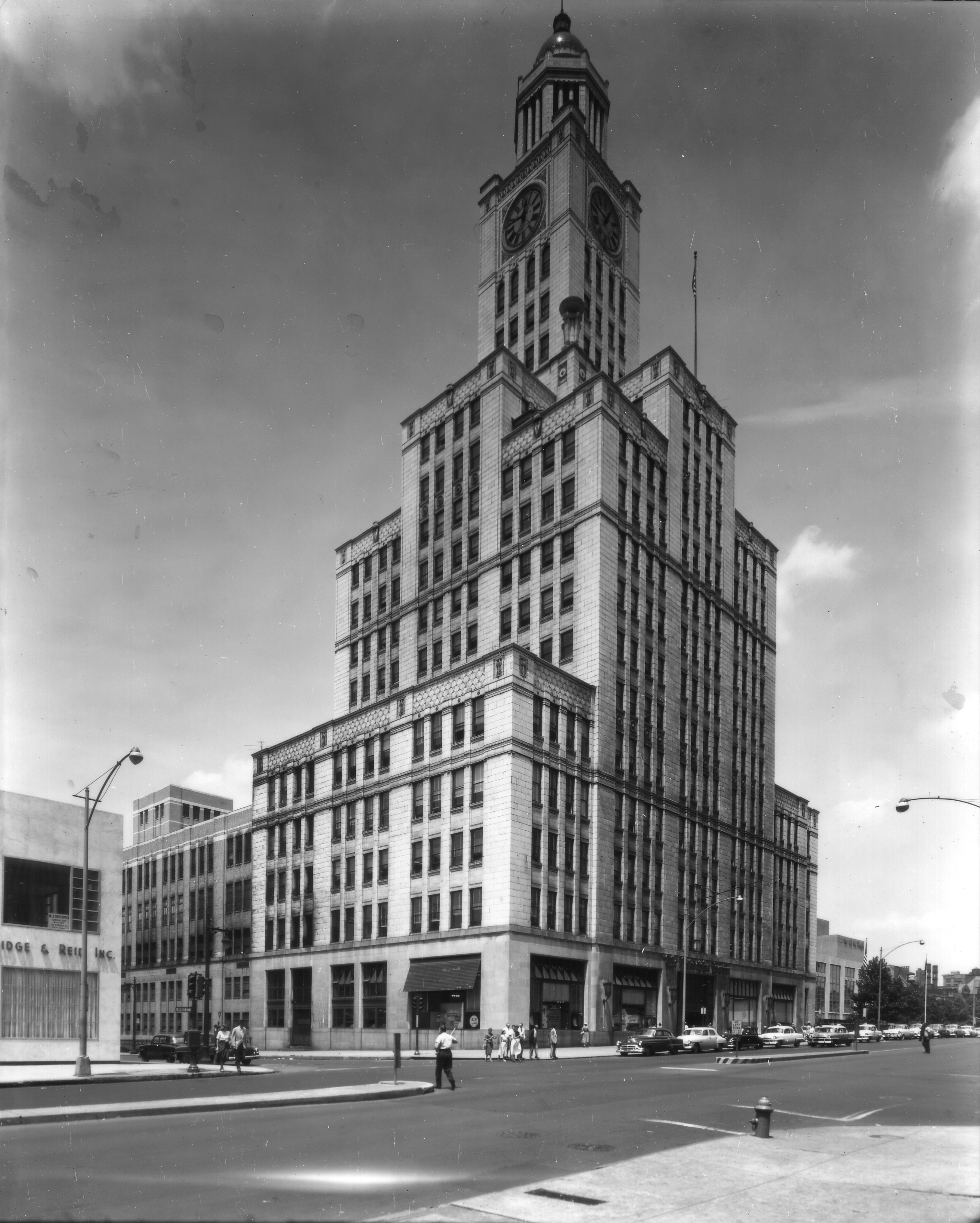 July 9, 1954: Inquirer Building | Parker & Mullikin, Free Library of Philadelphia Print and Pictures Collection