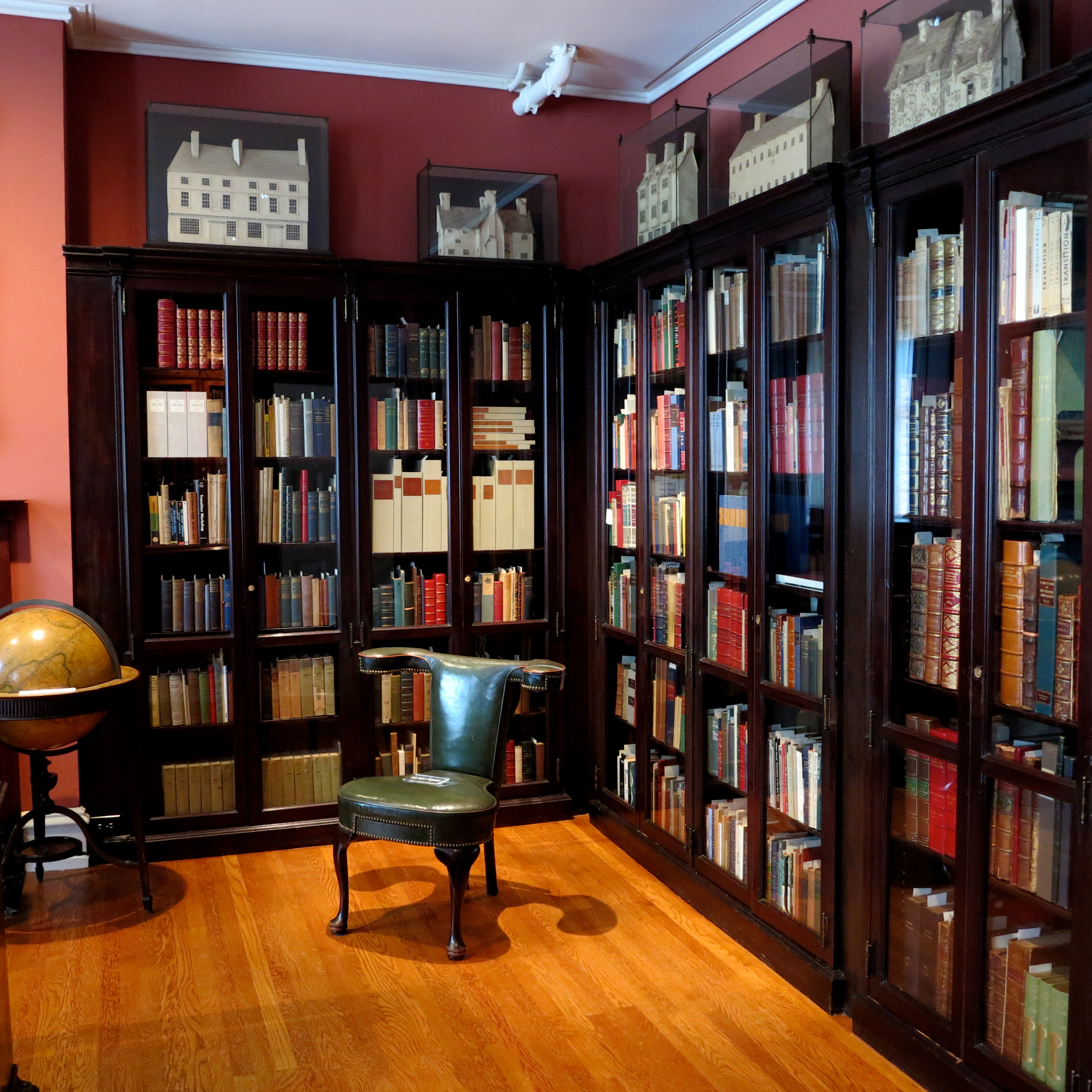 Cases in the Rosenbach Library