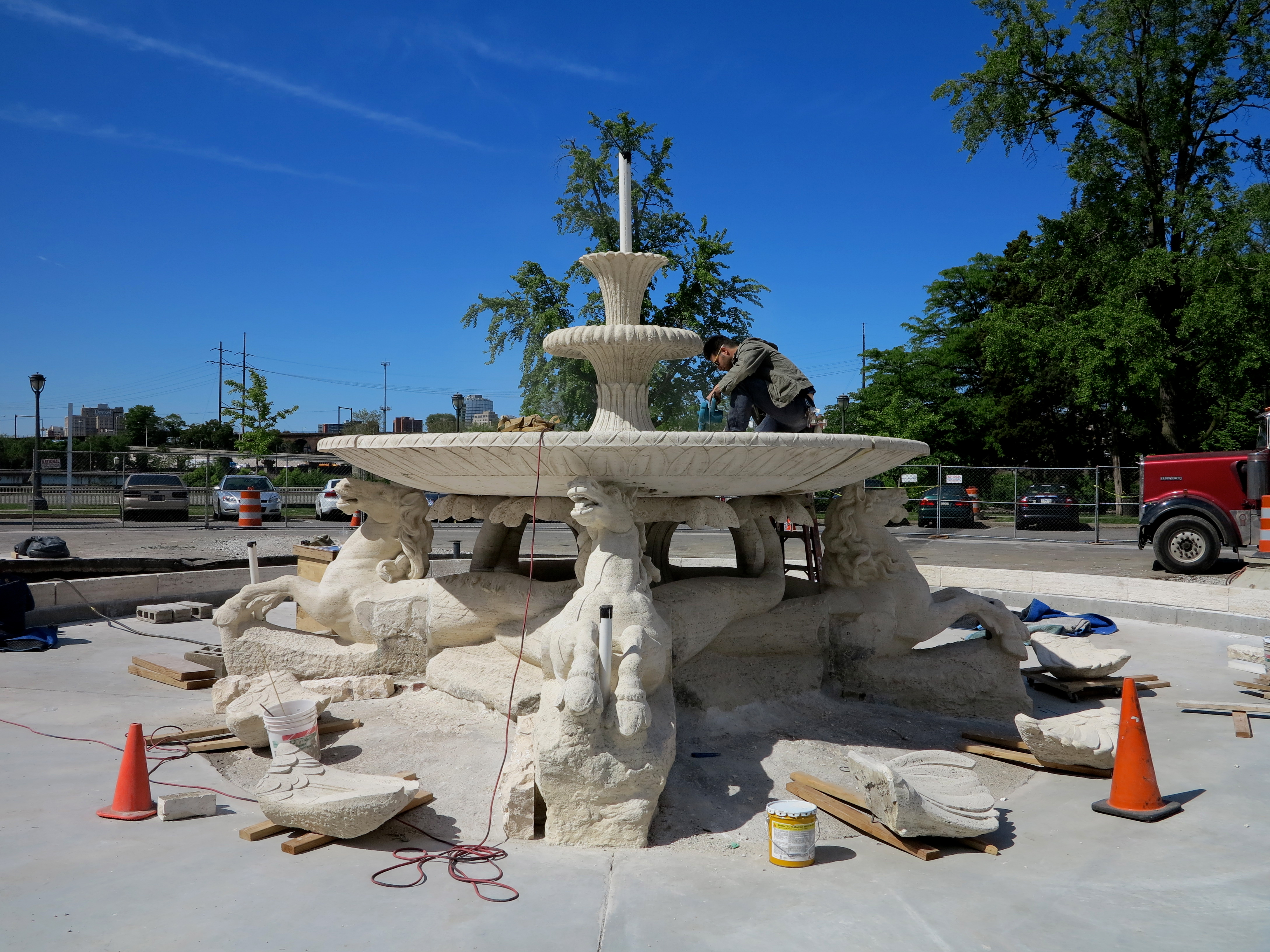 Fountain of the Seahorses under restoration.
