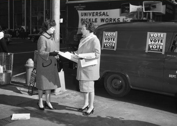 Vote as you please on November 6 | League of Women Voters getting out the vote at Broad and Chestnut, October 1962 | Department of Records | PhillyHistory.org