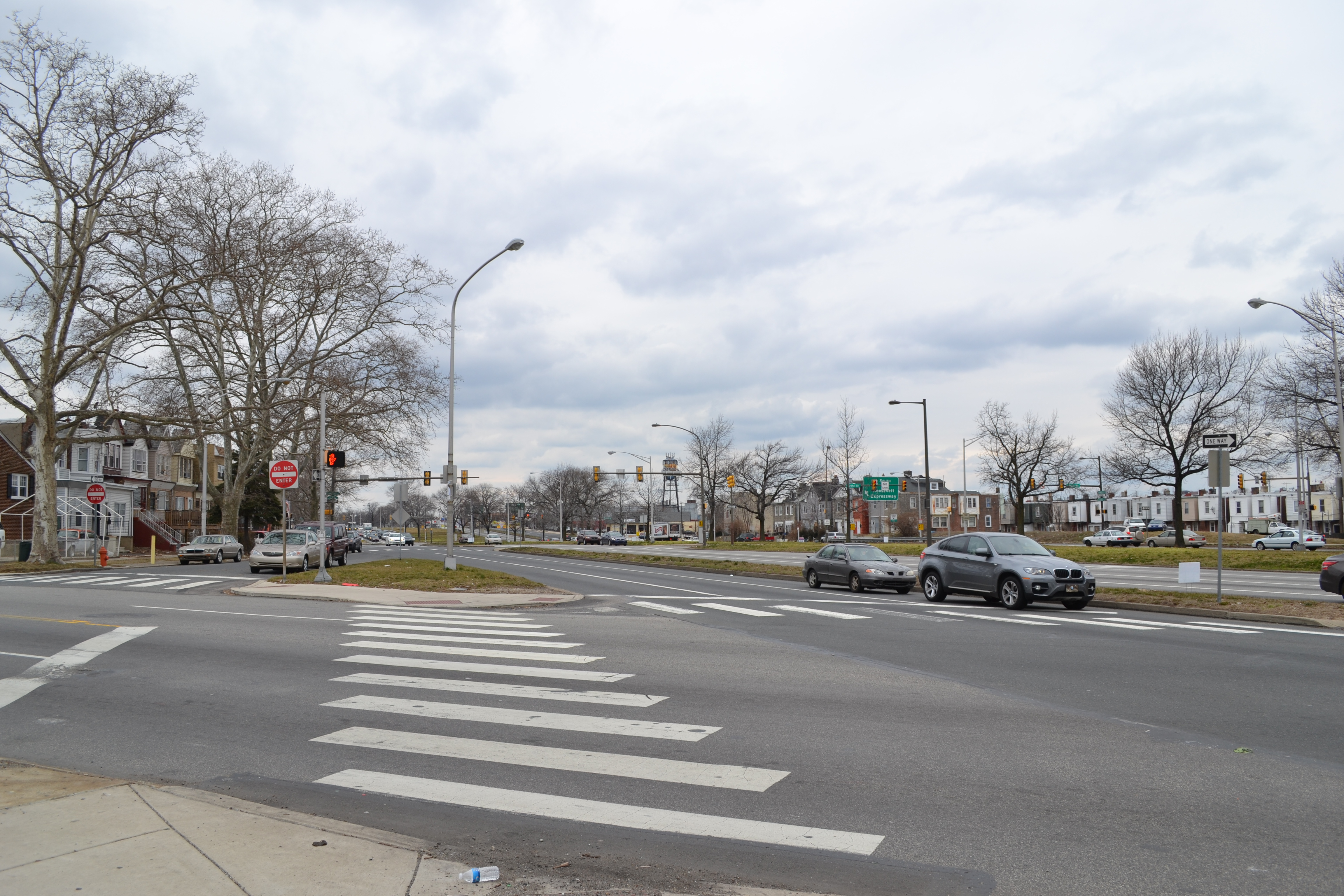 Roosevelt Boulevard's width makes it difficult to cross on foot