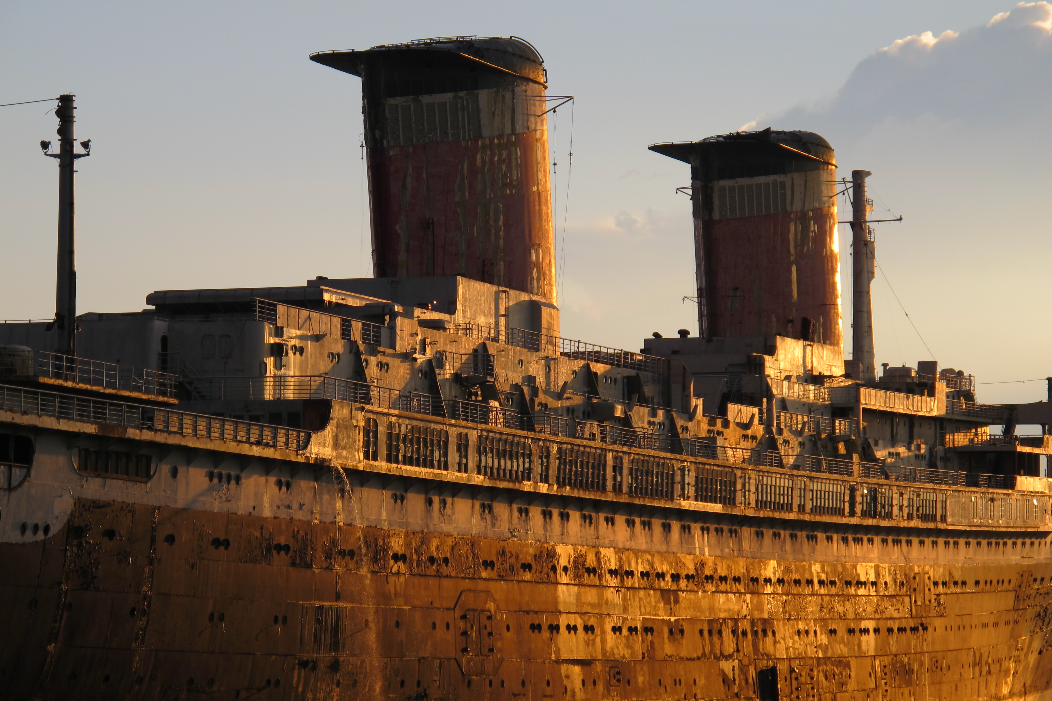 SS United States stacks