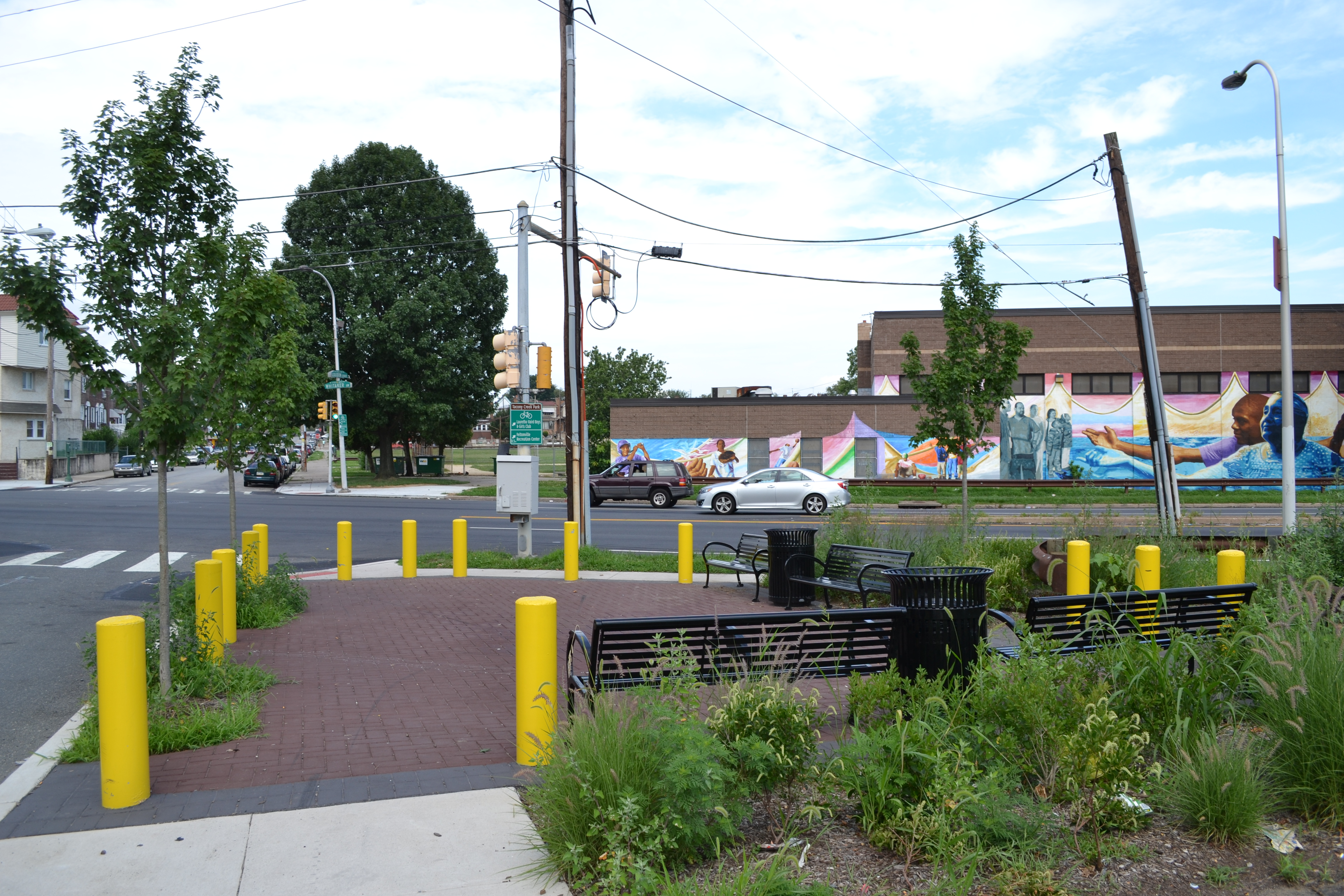 Tacony Creek Trail, Four neighborhood gateways provide access to the trail