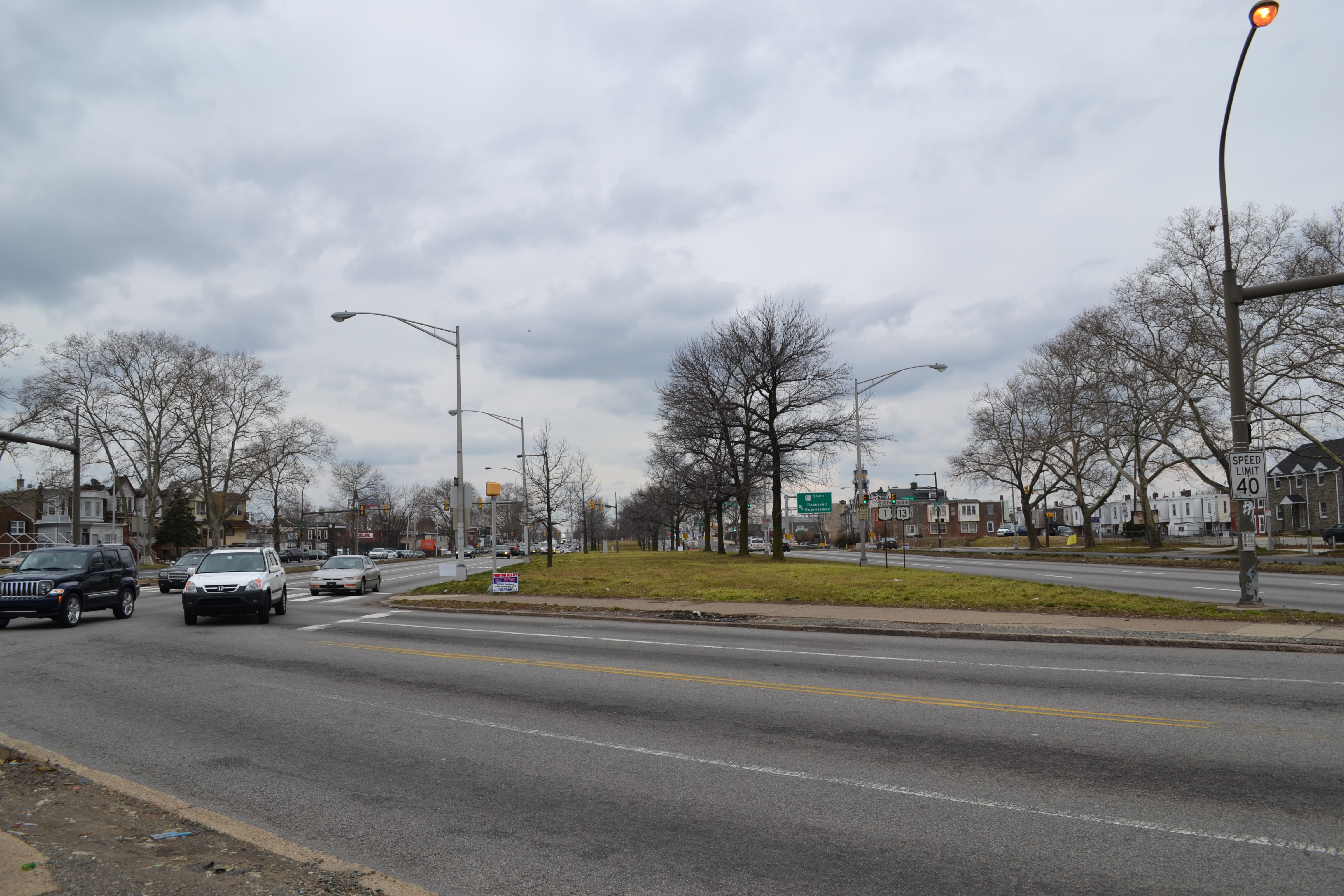 The 12-lane Boulevard has an 80-foot-wide central median