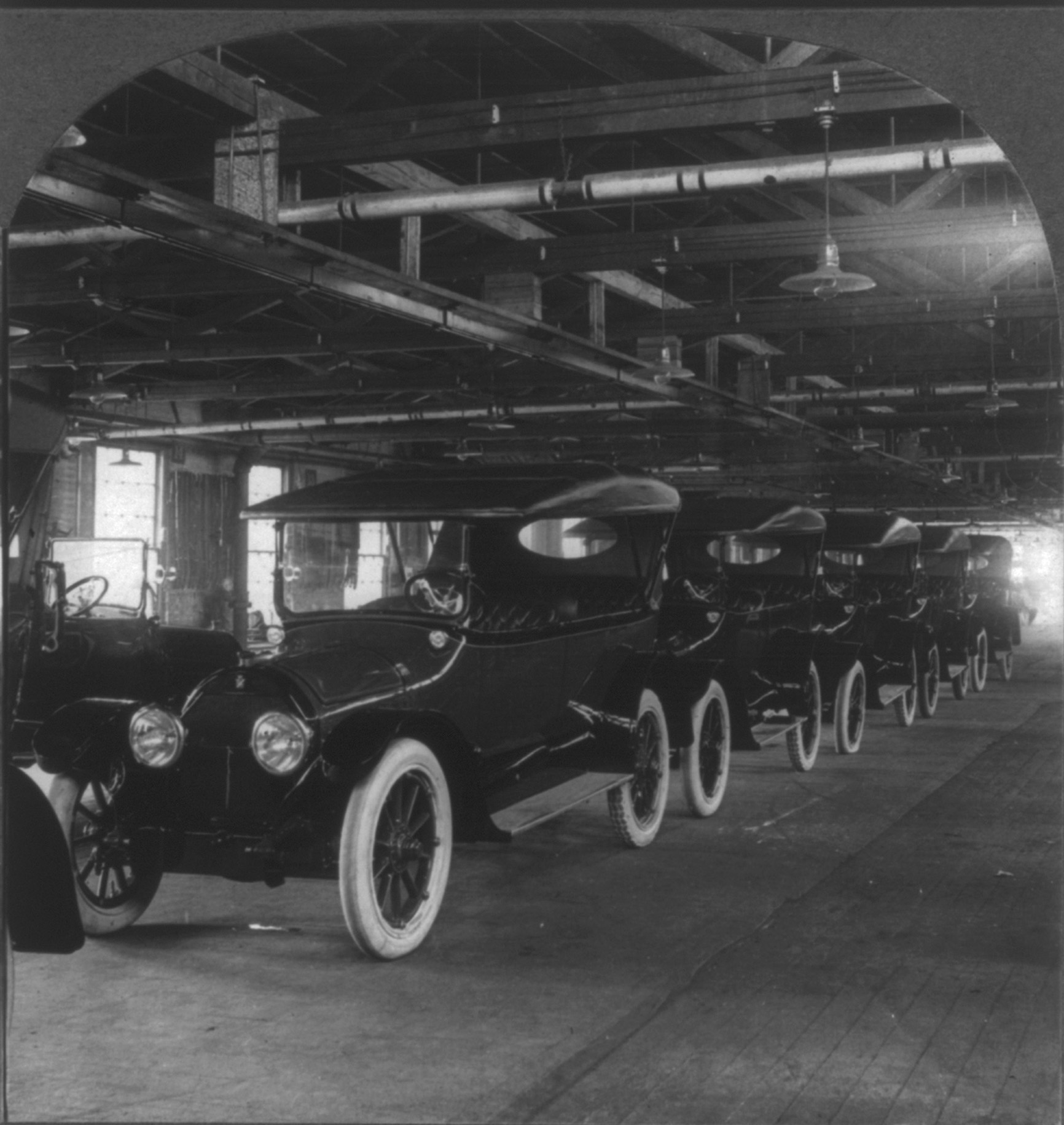 The Ford Model T coming off the production line at the Ford Motor Company Plant at N Broad Street and Lehigh Avenue, c. 1917 |