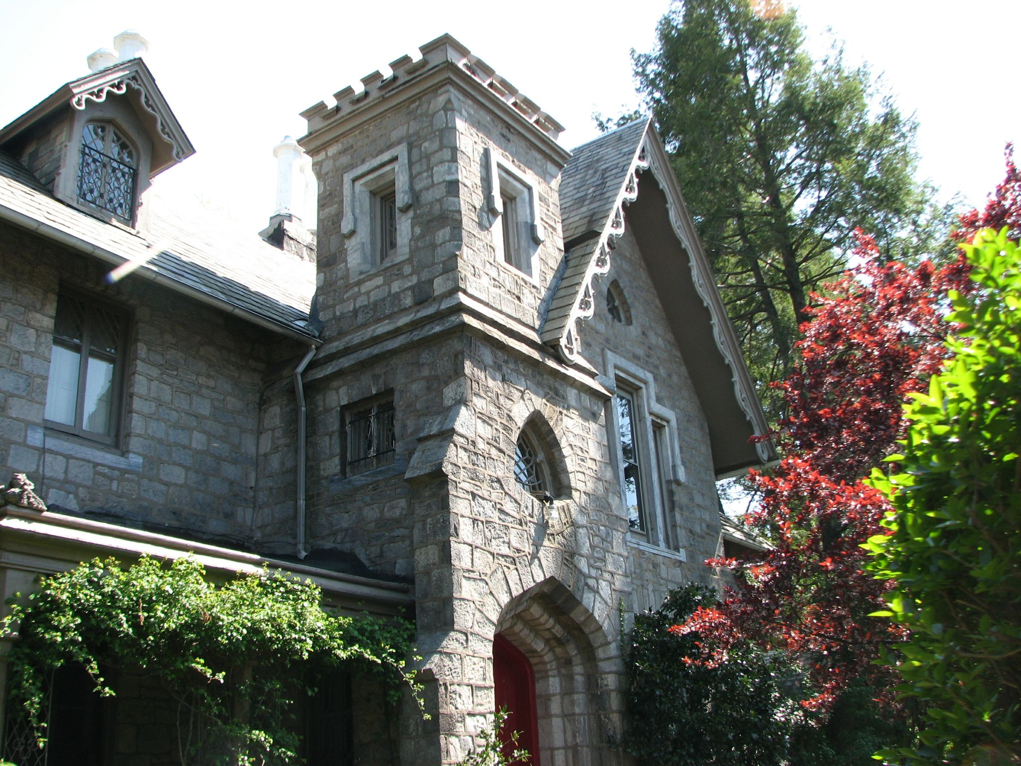 The Mitchell House is attributed to architect Samuel Sloan.