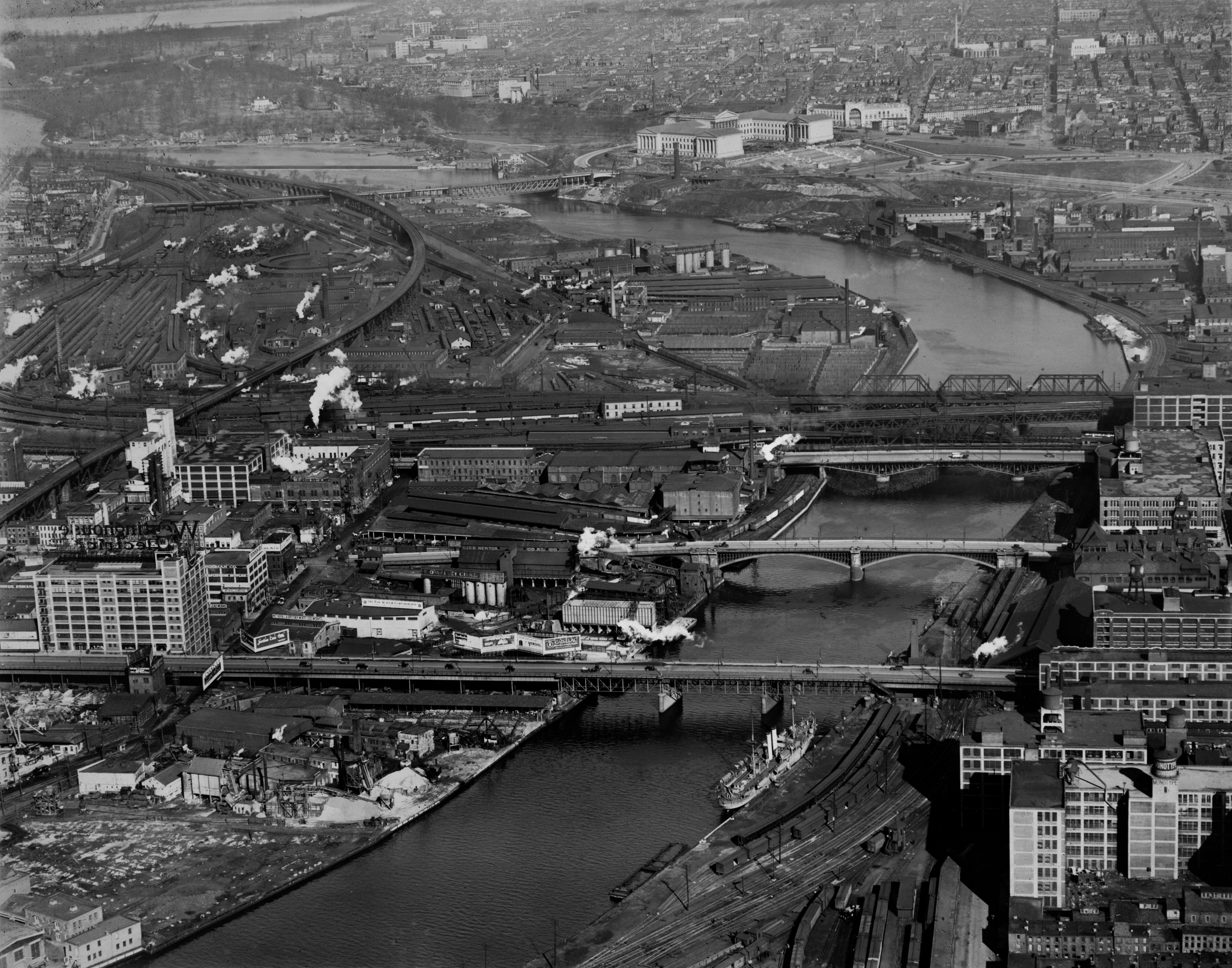 Schuylkill River from South Street, December 31, 1927. | (Image #7123) Aero Service Corp., courtesy of Aerial Viewpoint, Spring, TX