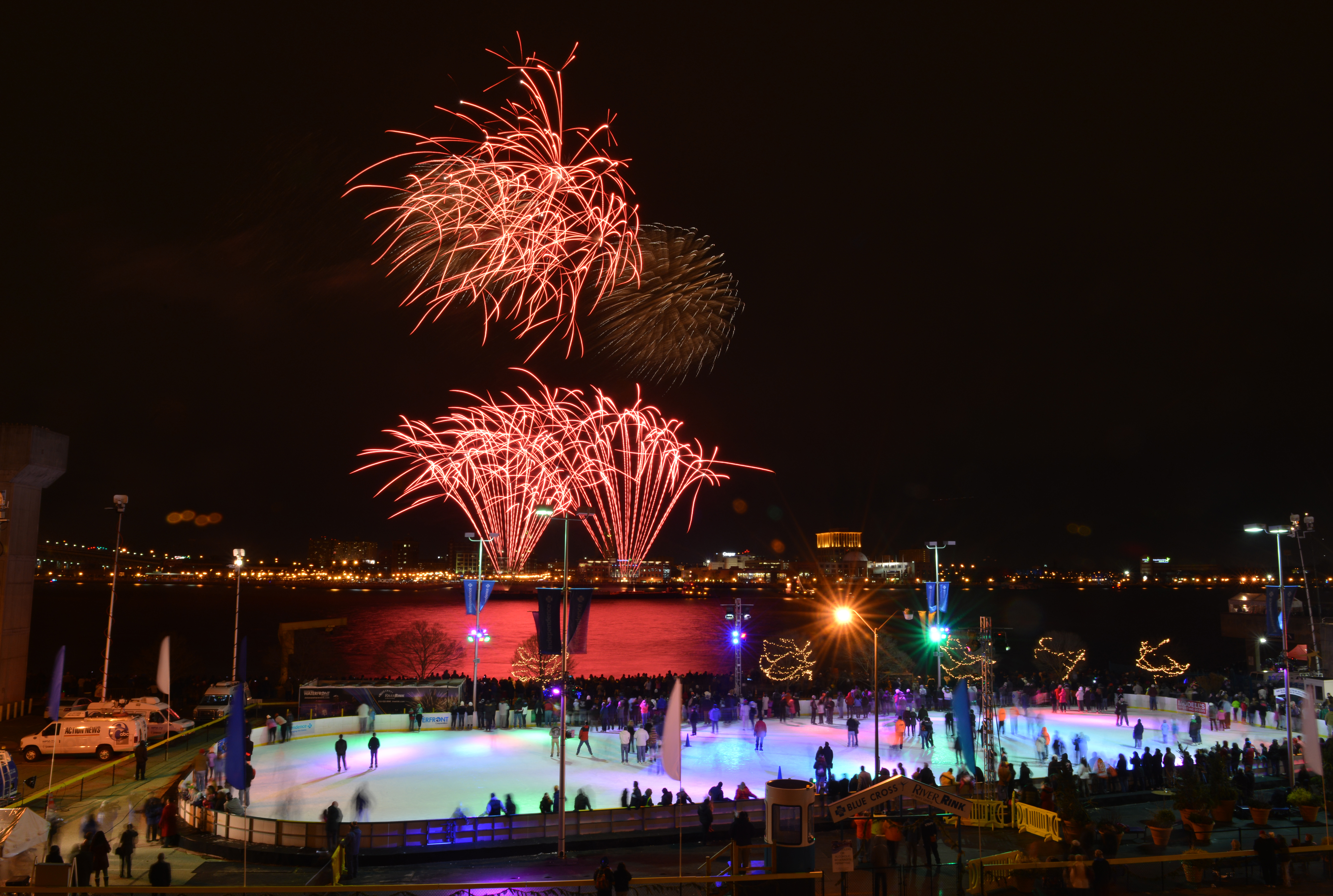 Waterfront Winterfest at Penn's Landing, Photo by Ed Savaria