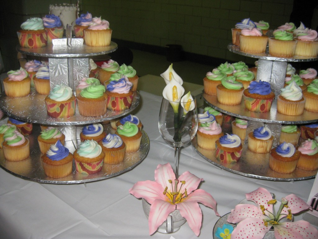 Natalie Cakes displayed a variety of cupcakes and edible flowers, in addition to some of its custom cakes. Photo by Christopher Wink.