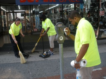 A Frankford SSD Detail Team keeps the 4600-block of Frankford Avenue clean. Photo provided by FSSD.